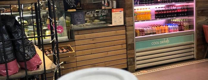 Coffee Fellows is one of สถานที่ที่ Cansu ถูกใจ.