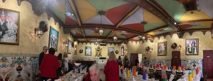 Columbia Restaurant Flamenco Show is one of สถานที่ที่บันทึกไว้ของ Susan.