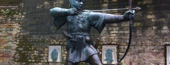 Robin Hood Statue is one of Lieux qui ont plu à Carl.