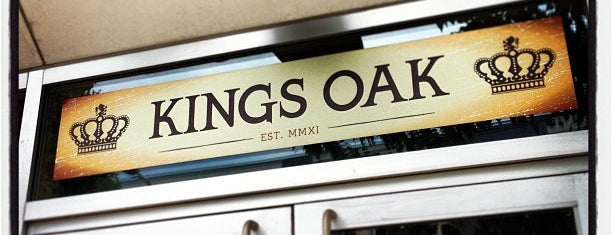 King's Oak is one of Locais curtidos por Andrew.