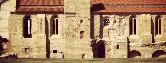 Mosteiro de Santa Clara-a-Velha is one of Tempat yang Disukai Pedro.