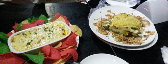 Arriba Maria Tex-Mex Restaurante is one of Lieux qui ont plu à Larissa.