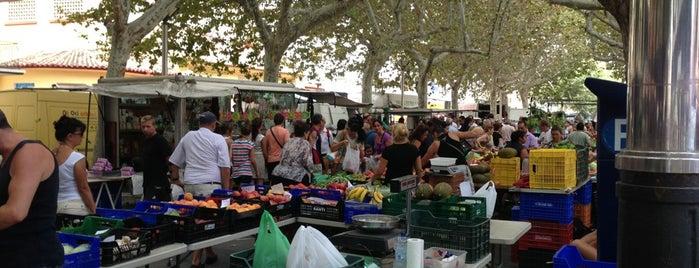 Plaça Parc de l'Estació is one of Posti che sono piaciuti a Bob.