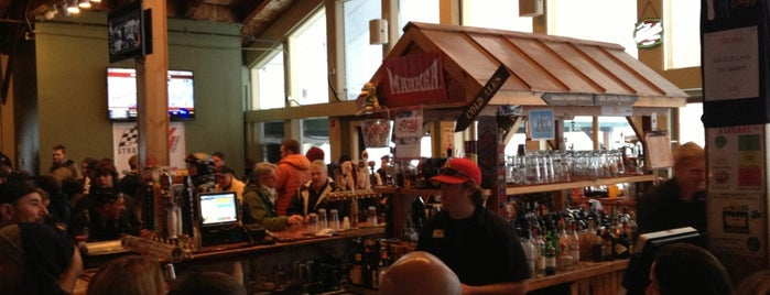 Grizzly's is one of Vermont aprés-ski.