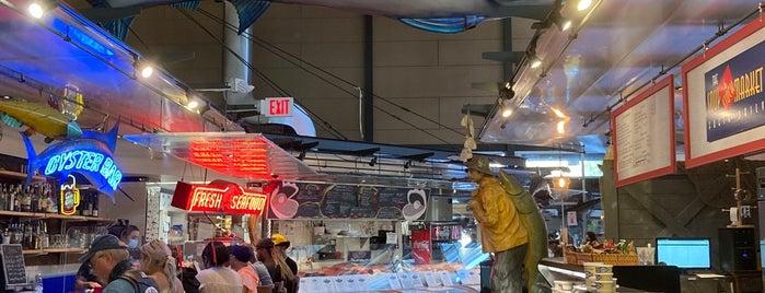 St Paul's Fish Market Tiki Bar is one of Tempat yang Disukai Rob.