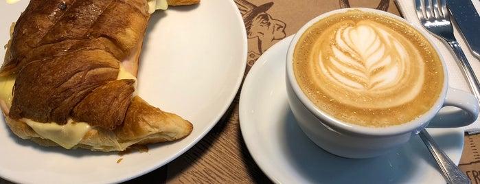 Ubuntú Café is one of Tempat yang Disukai Yani.