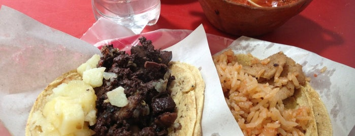 "Tacos de guisado ""La Sombrilla"" is one of Lugares Próxima."