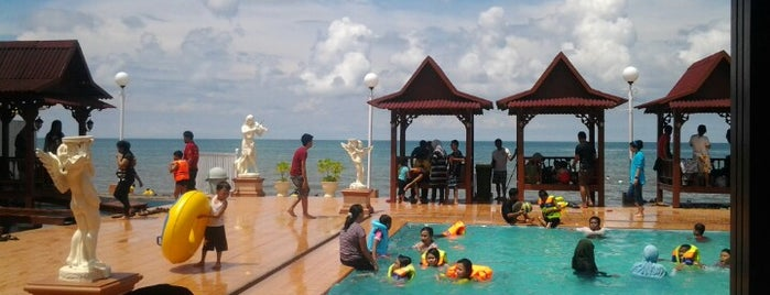 Wisata Pantai Galesong is one of Frans'ın Kaydettiği Mekanlar.