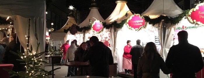 Weihnachtsmarkt Fleetinsel is one of Jana : понравившиеся места.