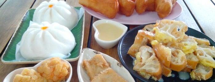 ร้านจีบเช้าข้าวต้ม is one of Phuket.