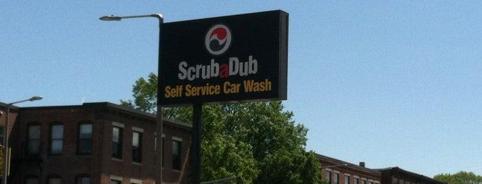 Scrub-a-Dub Car Wash is one of Locais curtidos por Rich.
