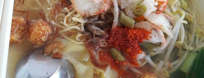 Jirayuwat Hokkien Noodle Restaurant is one of Phuket.