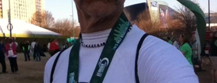 Publix Georgia Marathon & Half Marathon is one of สถานที่ที่ Lindsay ถูกใจ.