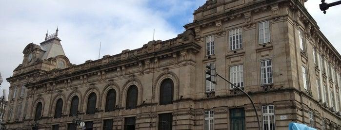 Estação Ferroviária de Porto-São Bento is one of Porto.