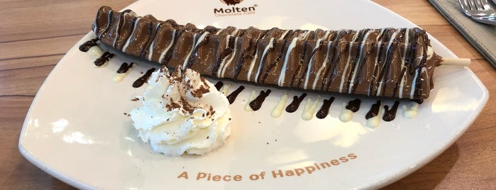 Molten Chocolate Cafe is one of Tempat yang Disukai cuadrodemando.