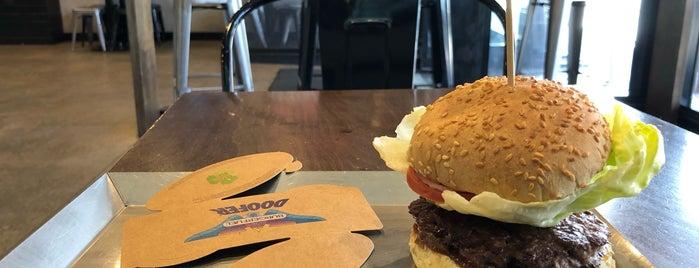 BurgerFuel Hereford Street is one of Ricardo'nun Beğendiği Mekanlar.