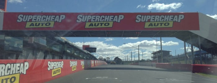 Mount Panorama is one of Bucket List for Gearheads.