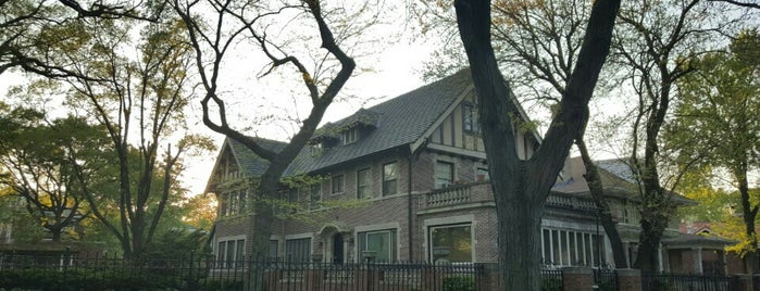 Jackson Park Highlands is one of Tempat yang Disukai Robin.