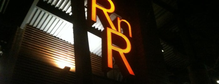 RnR Restaurant & Bar is one of Lieux sauvegardés par Lizzie.