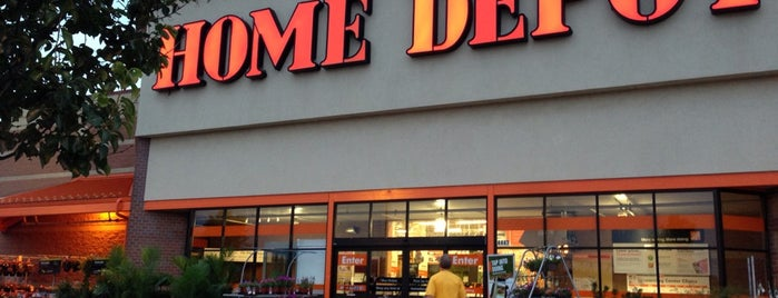 The Home Depot is one of Justinさんの保存済みスポット.