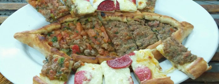 Bereket Lahmacun-Pide-Pizza Salonu is one of Orte, die Barış gefallen.