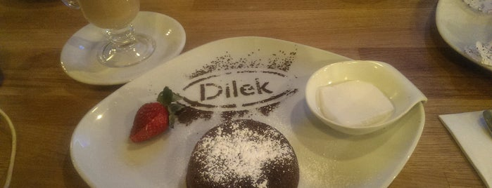 Dilek Cafe & Restaurant is one of İstanbul 2.