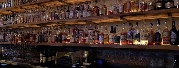 Mario & Johns tavern is one of Posti che sono piaciuti a Bo.