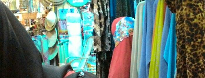 Pekan Rabu @ Ukir Mall (Kompleks Sementara) is one of Lieux qui ont plu à Melvin.