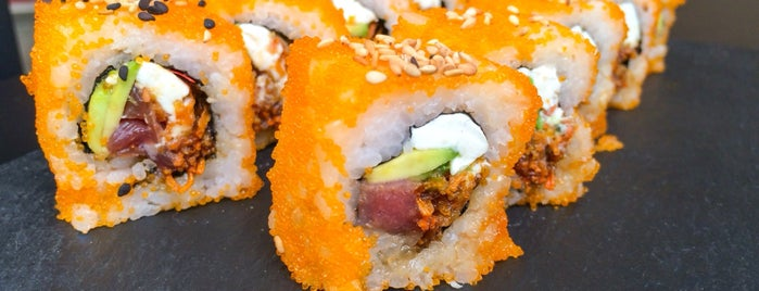 Tuk Tuk Asian Food is one of Lugares guardados de Gwen.
