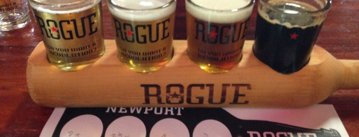 Rogue Ales Brewer's on the Bay is one of Tempat yang Disukai Benjamin.