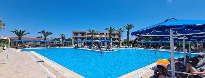 Mitsis Ramira Beach Hotel is one of Locais curtidos por Janneke.
