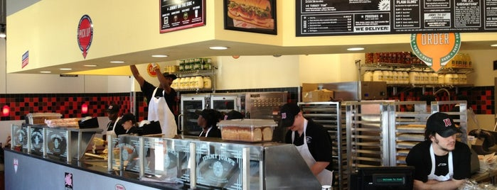 Jimmy John's is one of Locais curtidos por Jeff.