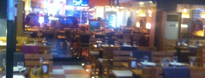 Pirzola Steak House is one of can'ın Beğendiği Mekanlar.
