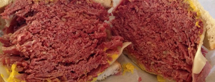The Cleveland Corned Beef Co is one of Locais curtidos por Coleen.