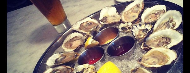 Brine Oyster Bar is one of Newburyport.