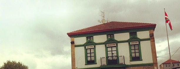 Batzoki Erandio - La Campa is one of Orte, die Valentin gefallen.