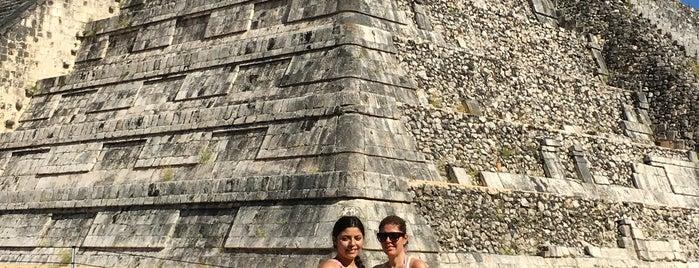 Pirámide de Kukulcán is one of สถานที่ที่ Ernesto (Tequila Man) ถูกใจ.