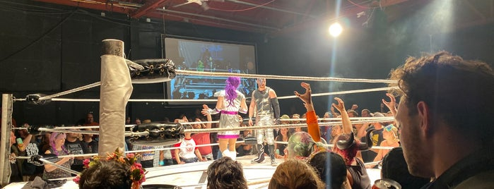 Hoodslam is one of Locais curtidos por Alex.