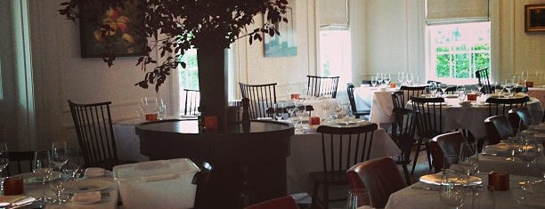 Restaurant at Topping Rose House is one of Posti che sono piaciuti a Chris.