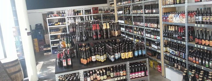 Plan B Rotterdam is one of Dutch Craft Beer Shops.