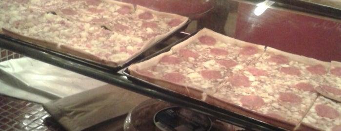 La Pizzarra is one of Corazón contento.