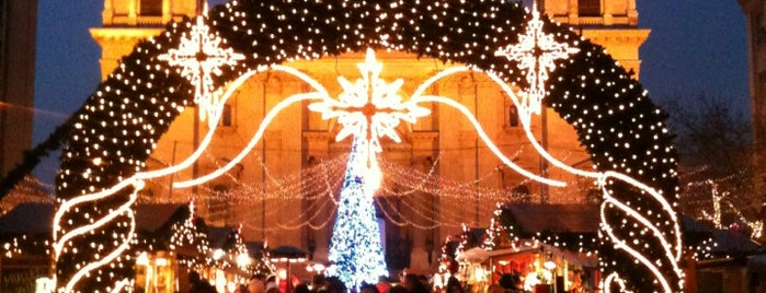 Karácsonyi Vásár | Christmas Fair is one of Orte, die Daniel gefallen.
