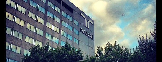 Randstad HQ is one of Lieux qui ont plu à Yunus.