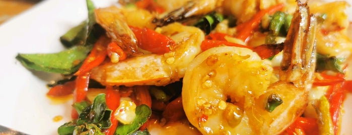แห้วซีฟู๊ด ปูดอง หัวปลาหม้อไฟ is one of Veeさんのお気に入りスポット.
