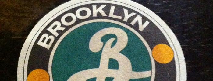 Brooklyn Coffee Shop is one of Associados Abrasel Paraná.