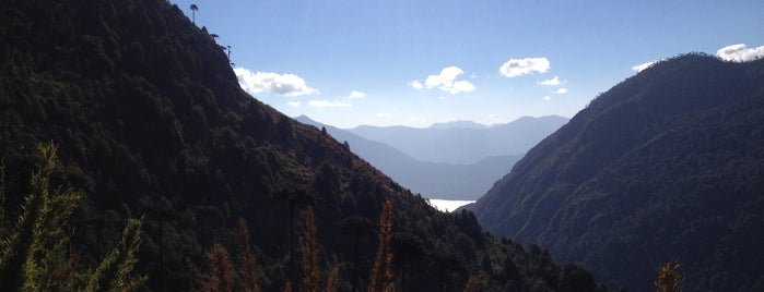 Parque Nacional Huerquehue is one of Roberto 님이 좋아한 장소.