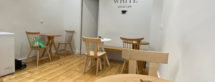 FLAT WHITE artisan café is one of Athens.