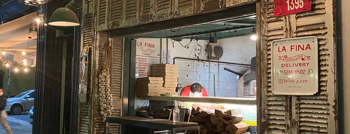 La Fina is one of Comer.