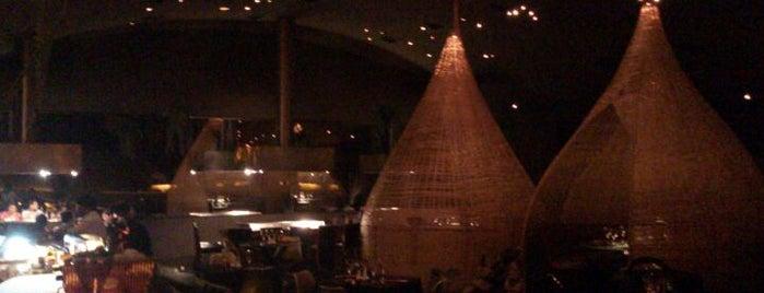 Jardin de Asia Restaurant is one of pour manger =).