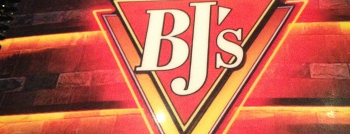BJ's Restaurant & Brewhouse is one of Lunch.